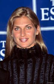 """a1333abbf6e 19) 2006. aasta lõpul valiti ajakirja Sports Illustrated poolt  järjekordselt maailma kaunemaid naissportlasi. Võidu võttis tuntud """"nägu""""  Maria Šarapova, ..."""